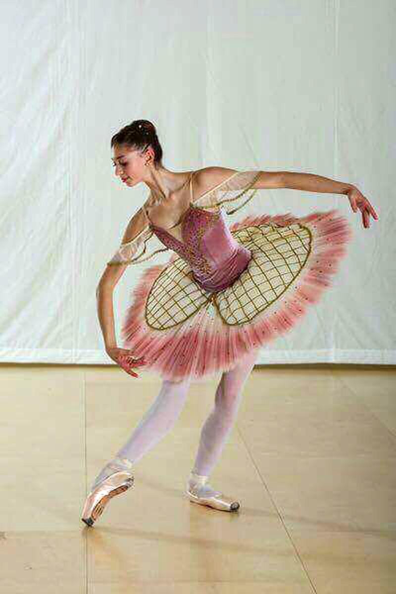 Vestiamo l'arte: ballerine in velluto rosa